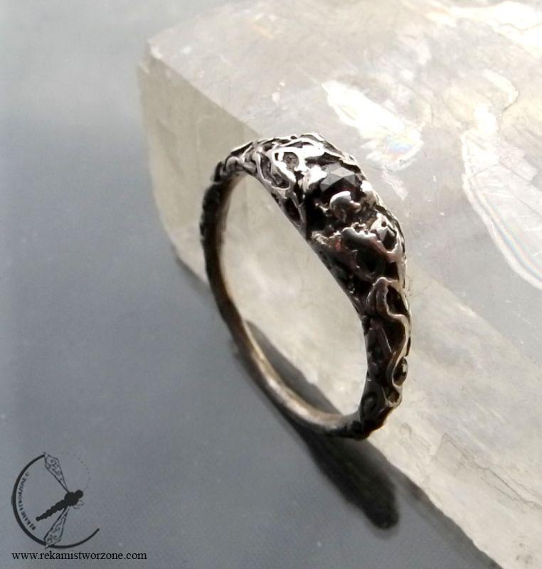 Pierścionek Zaręczynowy Z Czarnym Diamentem Biżuteria Autorska